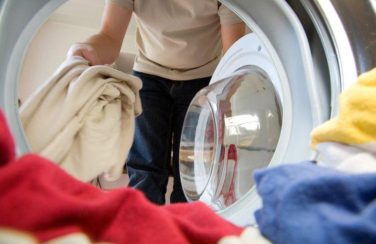 Чистота – залог здоровья. Пришло время позаботиться о здоровье своего дома и заняться генеральной уборкой. Мы выяснили, какие вещи лучше сразу сдавать в химчистку, а что можно постирать самостоятельно