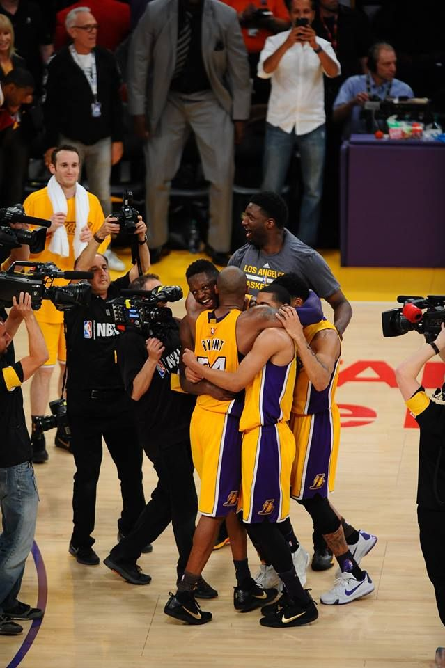 Kobe Bryant in his last NBA game ever after 20 seasons with the LA Lakers.