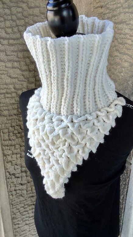 Crocodile crochet scarf.. j&k