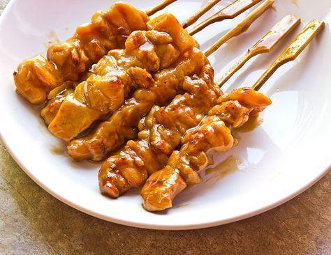 Il pollo alla salsa di soia è un secondo saporito e profumato. La carne risulterà molto tenera grazie alla marinatura nella soia