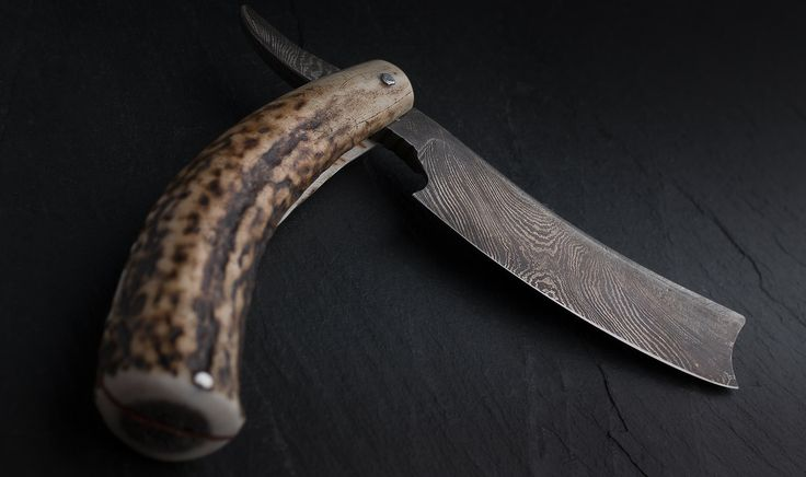 Handmade Damascus steel straight razor with Stag Horn handle made of 1084 or 1095 and tool steel with nickel 2% (15N20). About 180 layers. Every blade and handle are unique, so every unit may differ.