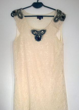 Kup mój przedmiot na #vintedpl http://www.vinted.pl/damska-odziez/krotkie-sukienki/10990551-niespotykana-koronka-ecru-z-koralikami-m