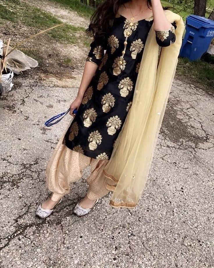 """3,957 Me gusta, 10 comentarios - Kudiyan Punjab Diyan (@kudiyan.punjab.diyan) en Instagram: """"In pic @__harleen22 . #kudiyan #punjab #diyan #tohari #mutiaran #shoutout #patialashahi #suit…"""""""