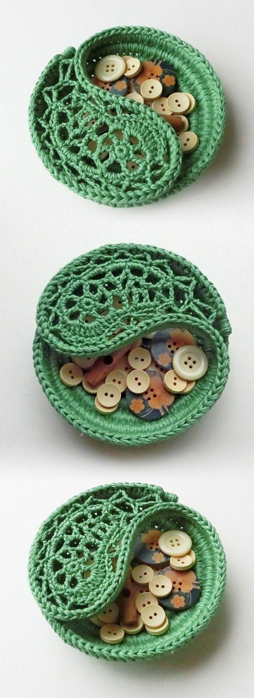 "Green 4"" Yin Yang jewelry dish. pattern by goolgool."