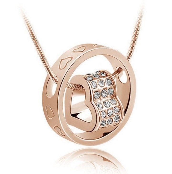 Pozlacený náhrdelník s krystaly – srdce v kroužku Na tento produkt se vztahuje nejen zajímavá sleva, ale také poštovné zdarma! Využij této výhodné nabídky a ušetři na poštovném, stejně jako to udělalo již velké množství …