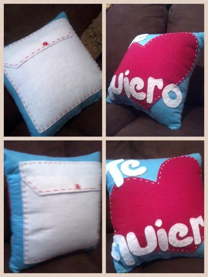 "Almohada con sobre al reverso ""Te quiero"" / pillow decorated with pocket on back"