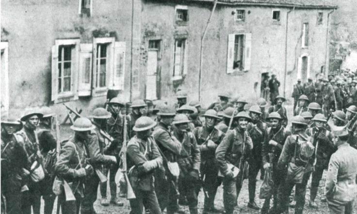 Marines of the 5th and 6th Regiment arriving in France shortly before the battle of Belleau Wood. Description from blogs.kentlaw.iit.edu.