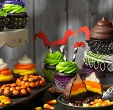 three exciting tricks to transform your halloween cupcakes into spooktacular treats