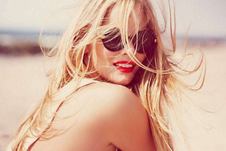 Red Lipsticks, Shades, Blondes, Beautiful, Sun Kisses, Summer, Sunglasses, Beach Hair, Redlips
