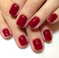 red-nails - Esmalte  - Tendências de cores para o outono e inverno 2015 - Acesse: https://pitacoseachados.wordpress.com #pitacoseachados