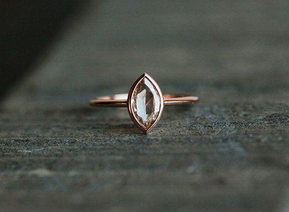 Rohschliff-Golddiamant-Verlobungsring von MinimalVS auf DaWanda.com