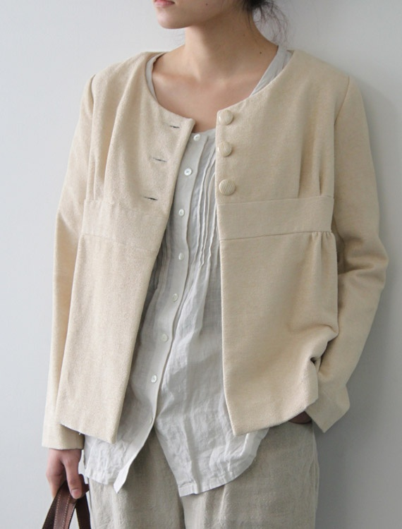 [Envelope Online Shop]Elze...boxy jacket with pleated blouse