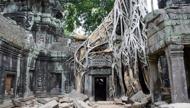 Angkor Wat 'jungle temple', Cambodia.
