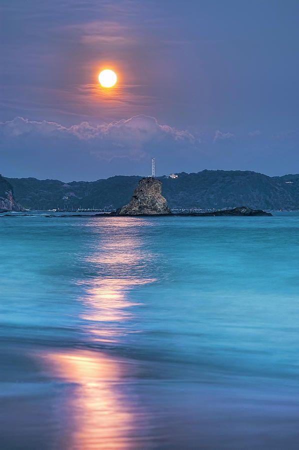 Sparkle Of Orange (full Moon), Tommy TsutsuiPhotos, Orange, Japan, Sunsets Beach, Natureanimalsbeauti Places, Nature Animal Beautiful Places, Full Moon, Sun Moon Stars, Sunrises Sunsets
