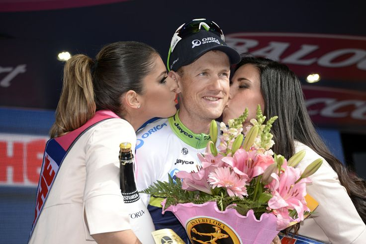 Pieter Weening Wins Giro d'Italia Stage Nine from Early Break