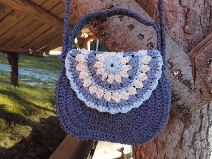 Cute handbag for little girls - FB Inushic handmade - Crochet bag - Cross Body Bag -  Beach bag - Over the shoulder bag - Handmade bag  - Summer bag - Market bag - Boho - Vintage - Shabby - Natural material - Recycled yarn - Cotton yarn