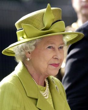 Queen Elizabeth, October 14, 2004 in Philip Somerville | Royal Hats