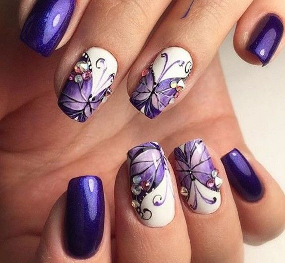 Butterfly Nail Art Violet