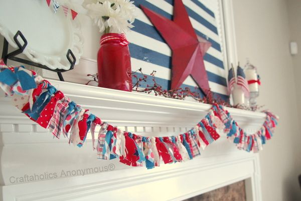 patriotic fabric bunting - might have to try this with the TONS of christmas and Halloween fabric scraps I have too!