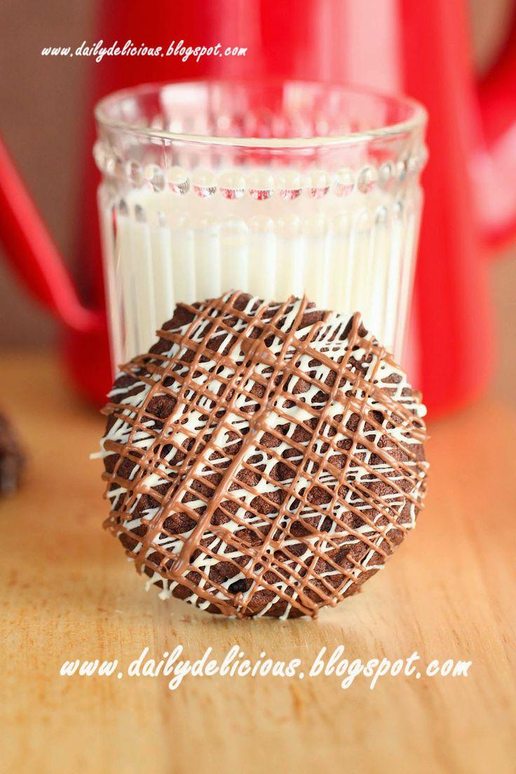 dailydelicious: biscotti al cioccolato tripla: cioccolato Abbastanza per aumentare l'energia e felicità.