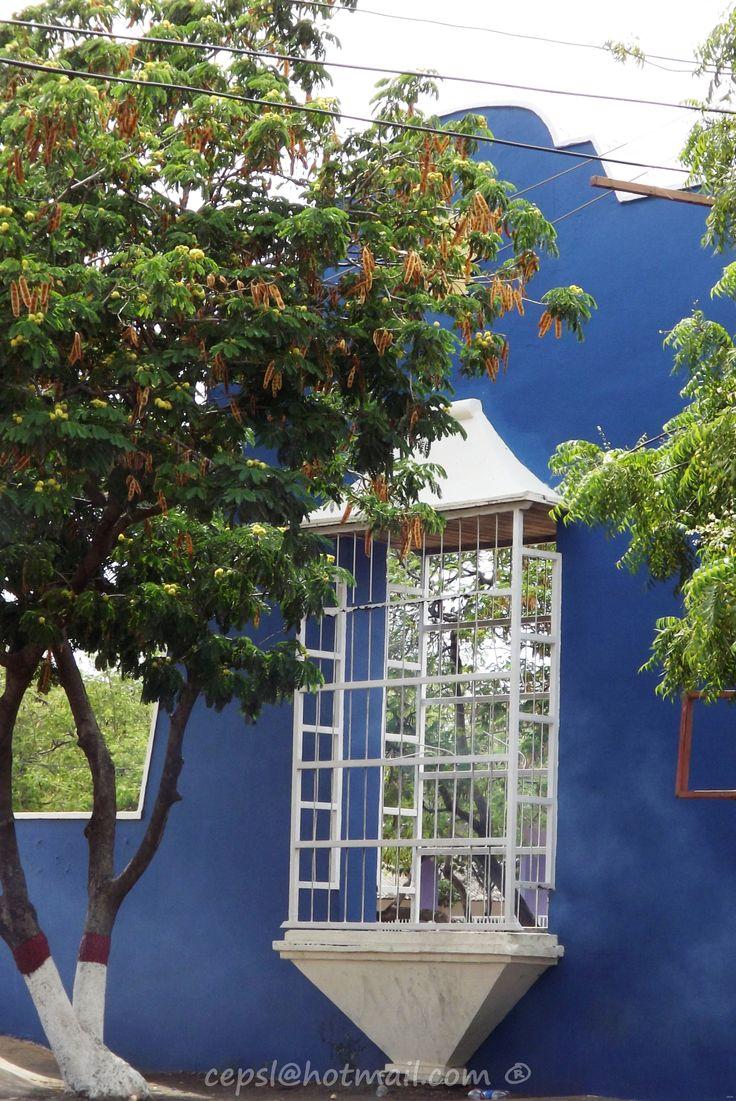 Muestra de los típicos balcones coloniales de Coro.