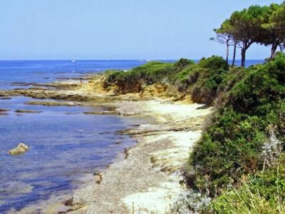 A la sortie de sainte maxime cote les issambres guide du tourisme du var paca
