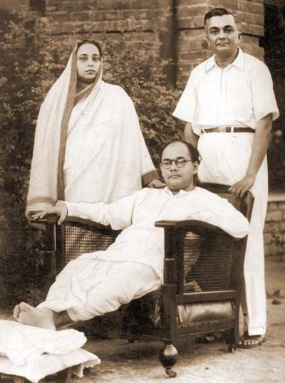 Netaji Subhas Chandra Bose with his brother Sudhir Chandra Bose and his wife - 1939