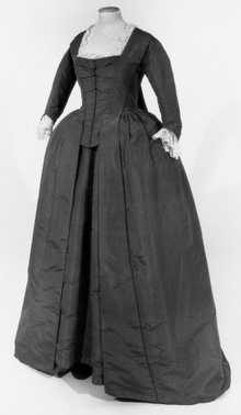 Robe à la française, overkleed en rok (ca. 1765 – ca. 1775)