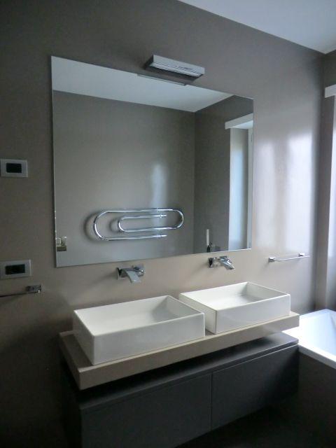 Double basin. La comodità del doppio lavabo....  www.archedy.com