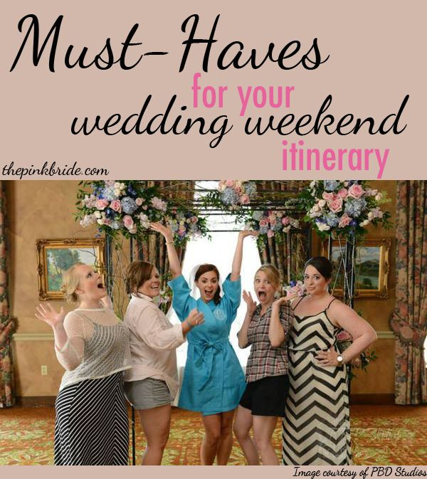 Find out exactly what you need in your wedding weekend itinerary to keep guests happy and entertained throughout their stay! www.thepinkbride.com