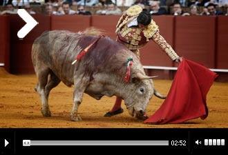 Mundotoro.com 15 Abril 2013  CRÓNICA De la sexta de la Feria de Abril 'Torear dentro de una foto' #toros #Morante #toreros #fotos #video #FestejoTaurino #Sevilla