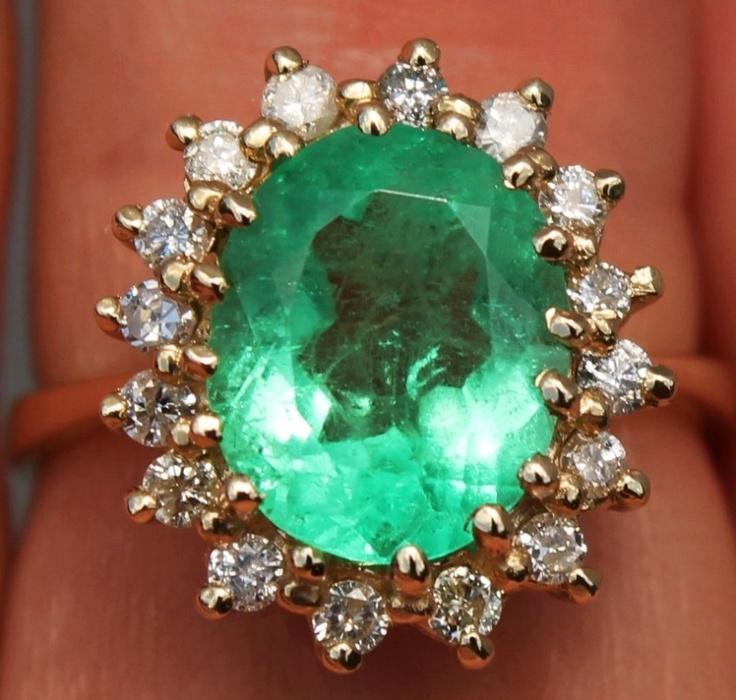 14K #Emerald Diamond Ring www.wonderfinds.com/item/3_290915862415/c164343/EMERALD-DIAMOND-RING
