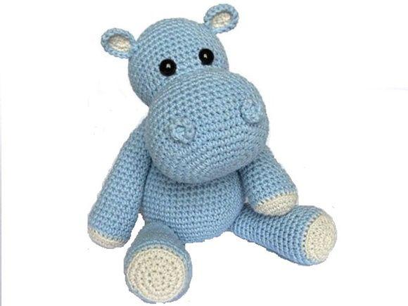 Hipopótamo em croche medindo 40 cm sentado e 20cm da largura. Pode ser produzido em varias cores
