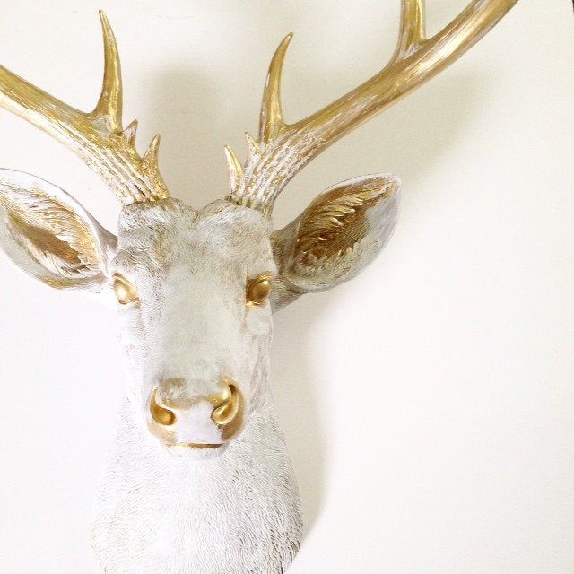 White Gold Rub Brush Finish Xl Deer Head Faux Taxidermy Etsy In 2020 Deer Head Decor Deer Head Wall Art Faux Taxidermy