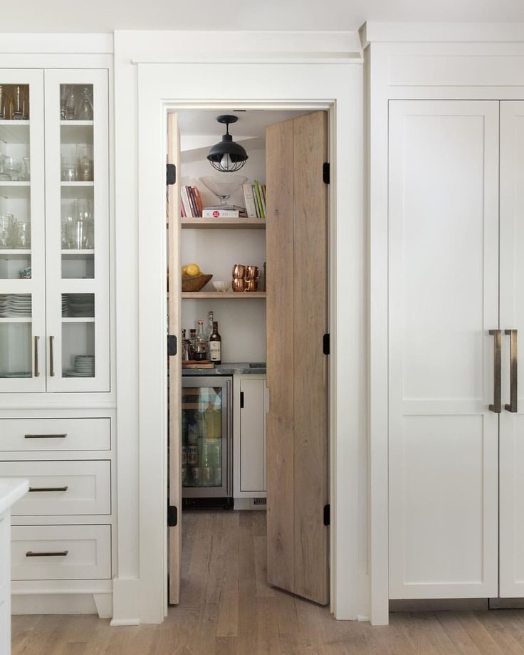 Kitchen Pantry Door Options: Best 25+ Painted Pantry Doors Ideas On Pinterest