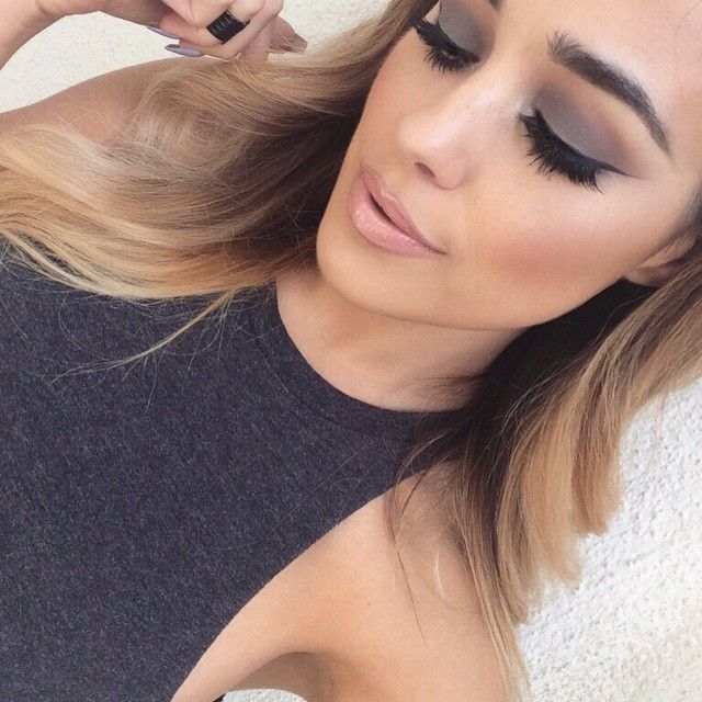 M.A.C eyeshadow in 'Mystery' all over the lid, 'Swiss Chocolate' in the crease and  BlackTrack Fluidline for the wing