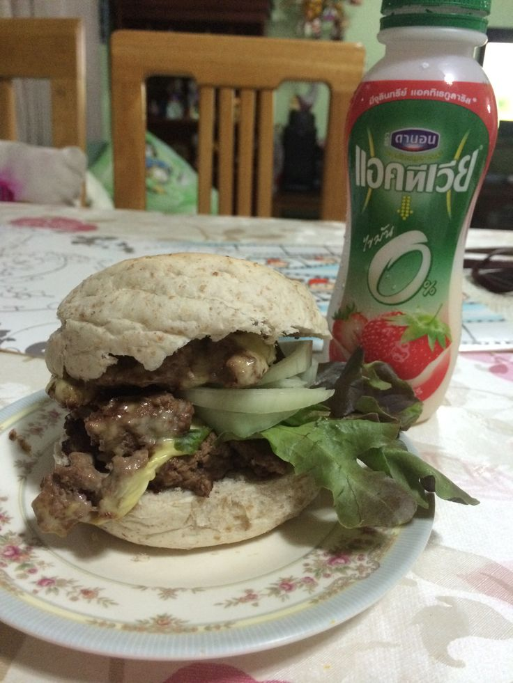 Double whole wheat cheese burger i made for dinner by myself :) #healthy #diet #dinner #lowfat #burger #bun #fitness