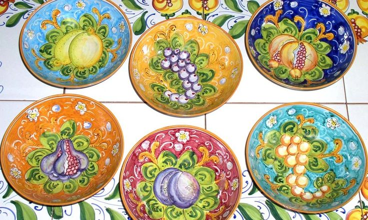 set of thin bowls with fruit patterns in assorted colours www.sbigoliterrecotte.it