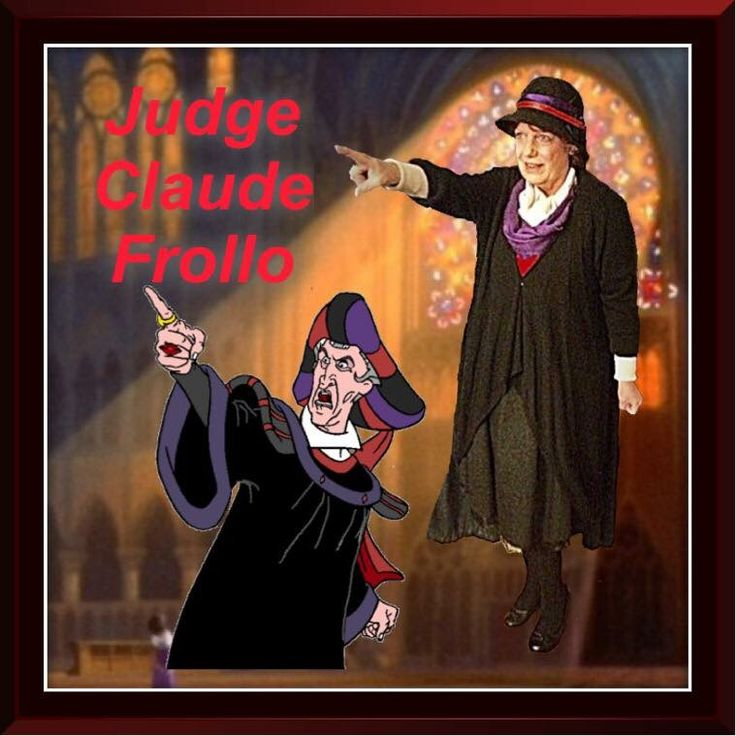 Disney Movie, Disney's The Hunchback of Notre Dame, The Hunchback of Notre Dame Disneybound, Disney's Judge Claude Frollo, Judge Claude Frollo Disneybound, Disney Villain, Disney Villain Disneybound, Vintage Dress, Vintage Dress Disneybound, Black Vintage Dress, Black Vintage Dress Disneybound, Black Disneybound, Disneybound Black
