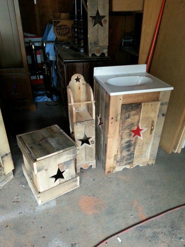 Best 25 Wooden Trash Can Holder Ideas On Pinterest Wood