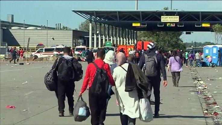 Weil sie falsche Auskünfte zu ihrer Nationalität machten, hat Österreich in knapp drei Wochen 3000 Flüchtlinge abgewiesen. Die Grenzbeamten kamen den Migranten mit Dolmetschern auf die Schliche.