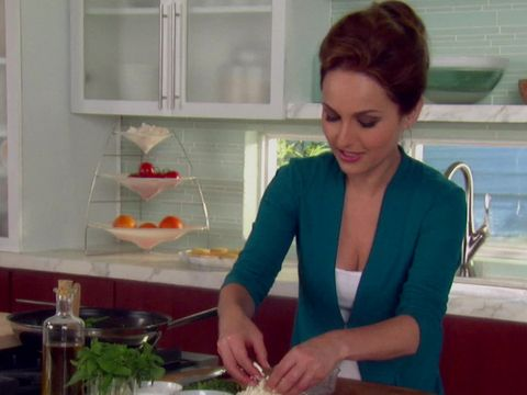 Giada's Greek Pizza Recipe : Food Network - FoodNetwork.com