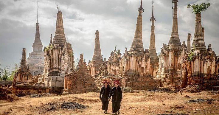 Anche se sembra un luogo tratto dal Libro della Giungla, il villaggio di Indein in Birmaniaè molto più reale della parole scrittedaRudyard Kipling. Il paese è raggiungibile soltanto passando attrav