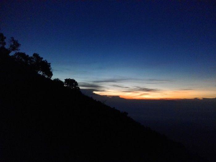 Sunrise di Pos 4 Gunung Lawu (via Cemoro Sewu) #lawu #mountain #yukpiknik