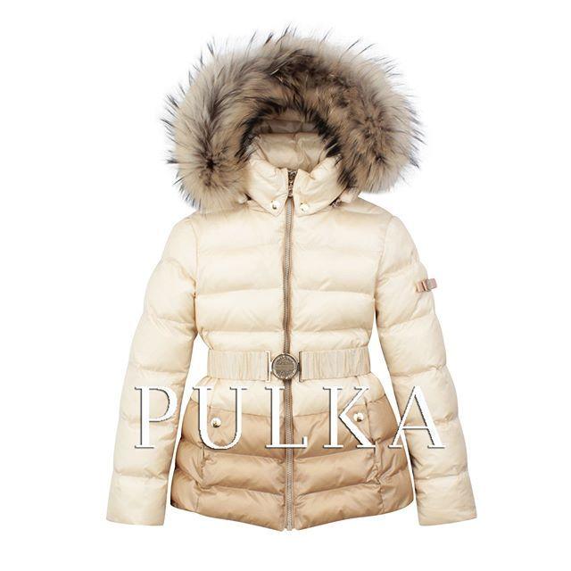 """Теплая куртка для девочки из новой коллекции #PULKA, размерный ряд 128-164. Мех енот натуральный, утеплитель синтепух """" Лебяжка""""+ Sh Kids, ткань верха  легкая и пластичная, устойчивая к разрывным нагрузкам и истиранию. Температурный режим от -5 до -30!  Новая коллекция бренда уже доступна в магазинах #SilverSpoon #LapinHouse #KidsRocks #Pollichini  Коллекция также представлена в интернет-магазинах: ozon.ru esky.ru wildberries.ru refinado.ru milashi.ru  Посмотреть ближайший к вам магазин…"""