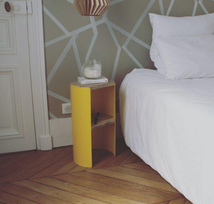 Envie de changer dintérieur commencez par apporter une touche de couleur et doriginalité avec cette petite table dappoint à la forme intrigante