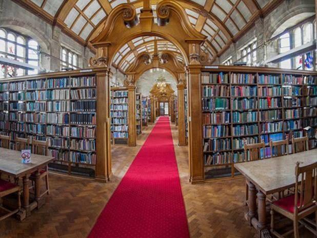 La biblioteca de la Universidad de Bangor en Gales del norte - sala de lectura Shankland
