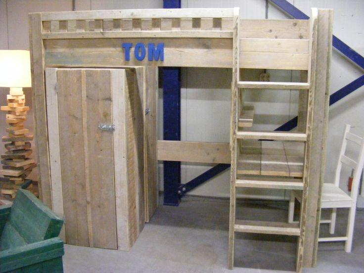 17 best hoogslaper lo s images on pinterest kidsroom boy bedrooms and bedroom kids - Massief houten platform bed ...