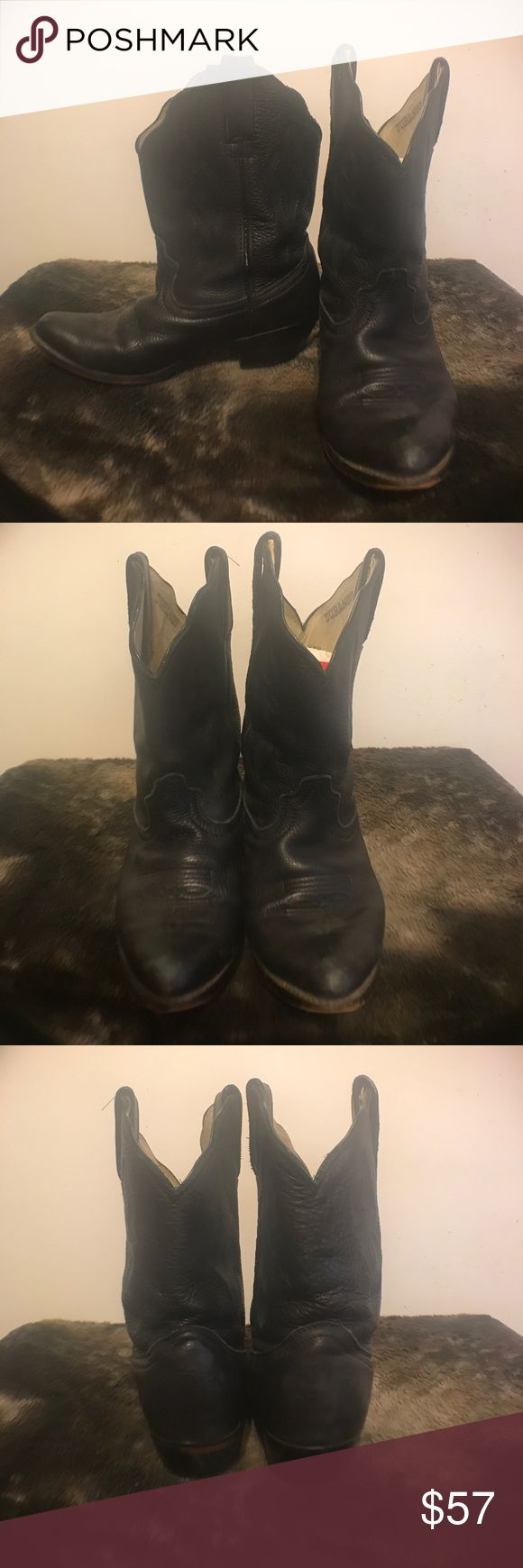 Vintage Durango leather cowboy boots! 6 1/2! Used vintage genuine leather Durango cowboy boots. Size 6 1/2W! Gentle used with some wear but no damage. Serial number include RD 630 / 15195W / 505. Please enlarge photos for detail and ware. Durango Shoes Ankle Boots & Booties
