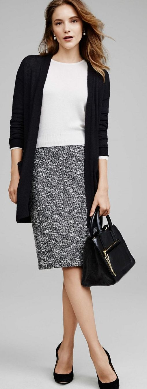 comfortable and chic tweed skirt + sweater look | Skirt the Ceiling | skirttheceiling.com